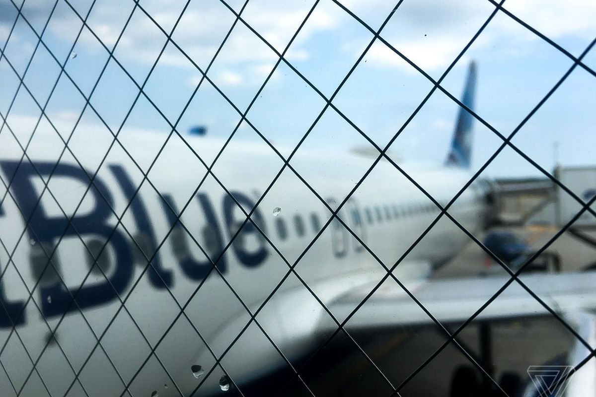 JetBlue touts more flexible customer service with new technology