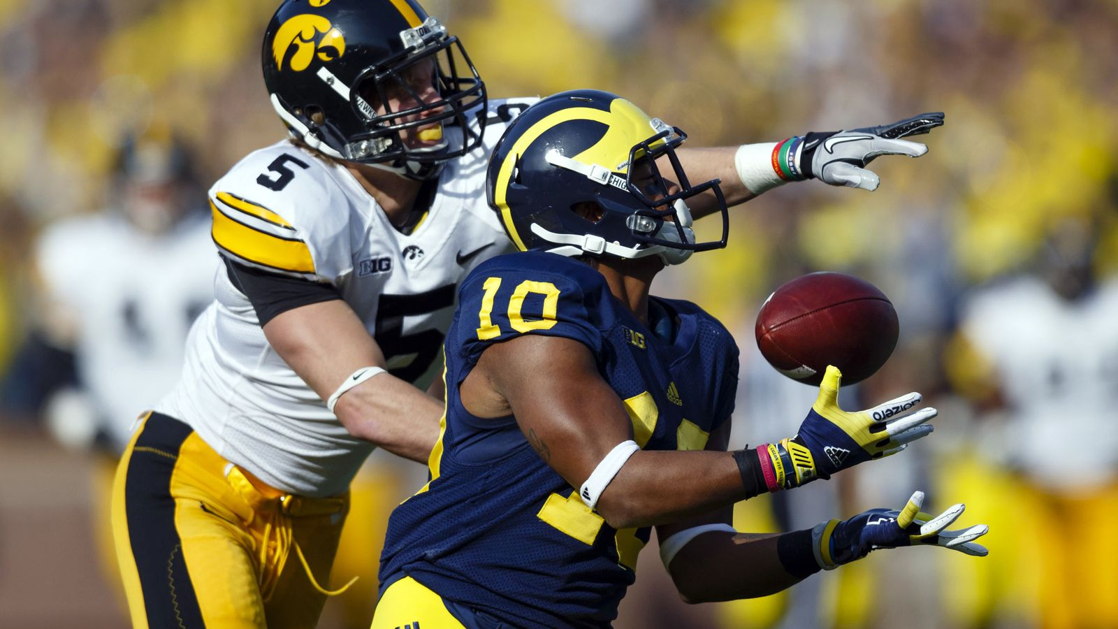Inside Michigan's Playbook Gets Back to Basics