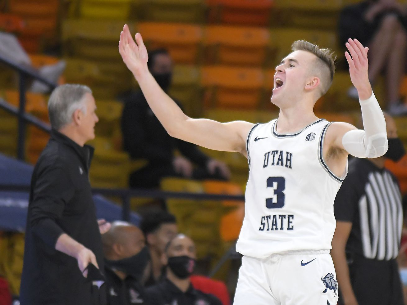 Utah State's 10th straight win — and second over San Diego State — shows off Aggies' resilience