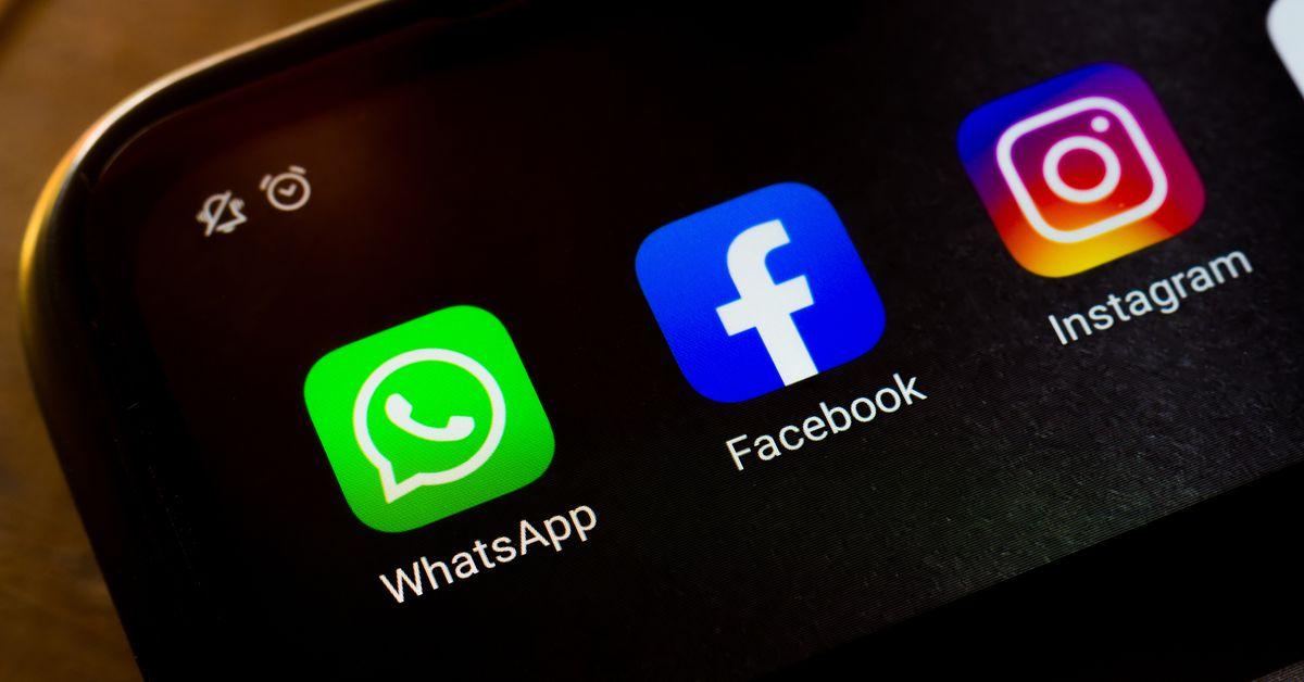 www.vox.com: Why the US government wants Facebook to sell off Instagram and WhatsApp