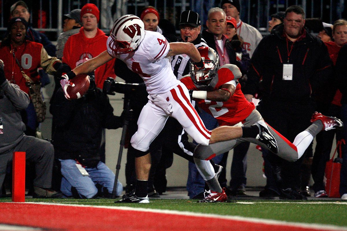 Jared Abbrederis could become the first Wisconsin receiver to top 1,000 yards receiving since Brandon Williams did it in 2005.