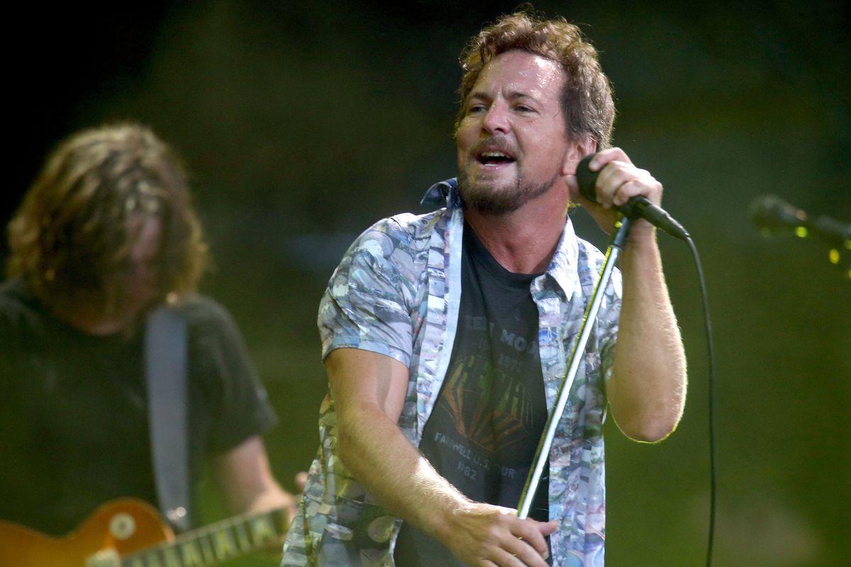 """Eddie Vedder of Pearl Jam performed """"Frozen"""" last night"""