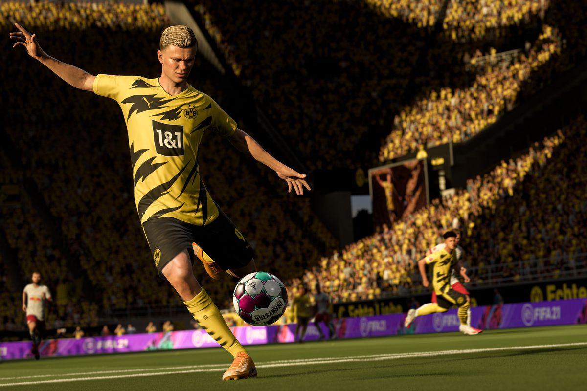 Marco Reus of Borussia Dortmund prepares to take a shot in FIFA 21.