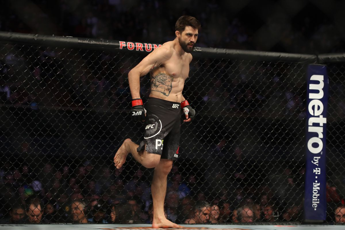 Carlos Condit stands in his corner prior to facing Michael Chiesa in their welterweight bout during the UFC 232 event inside The Forum on December 29, 2018 in Inglewood, California.