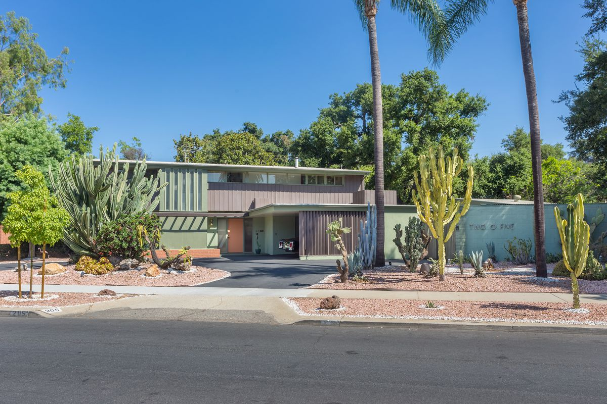 Paul Williams midcentury modern house for sale in Ontario for $1.1M ...