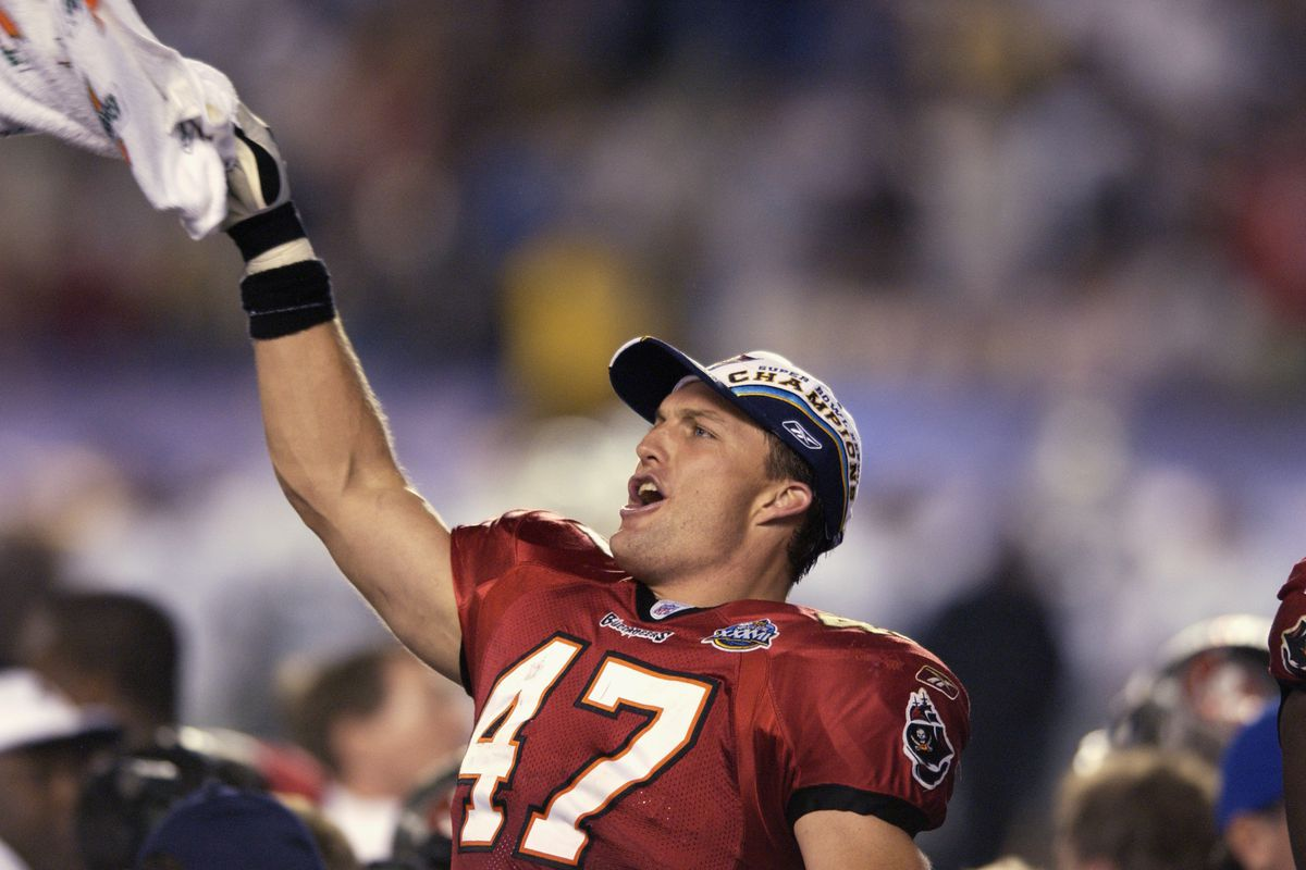 Lynch celebrates the win