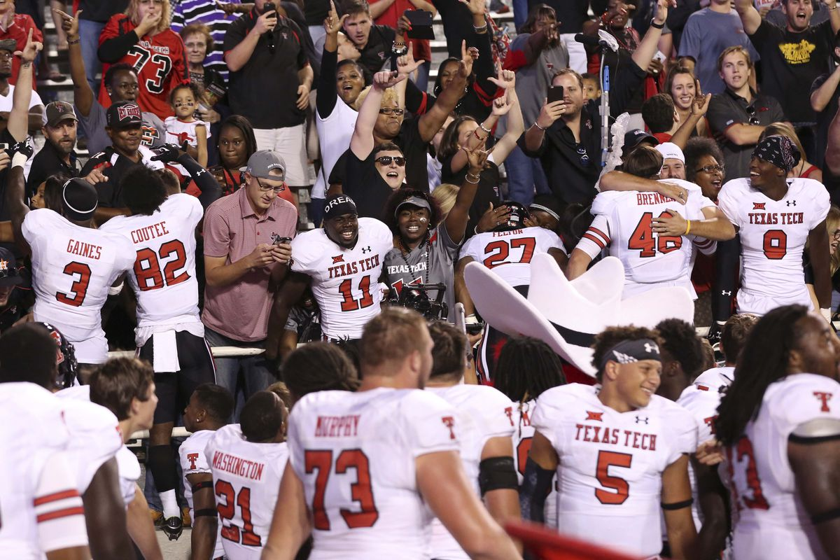 NCAA Football: Texas Tech at Arkansas