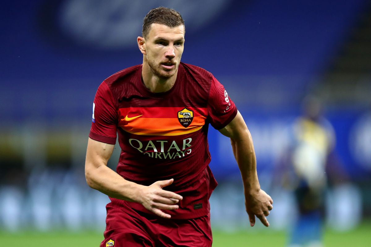 Edin Dzeko of As Roma looks on during the Serie A match...