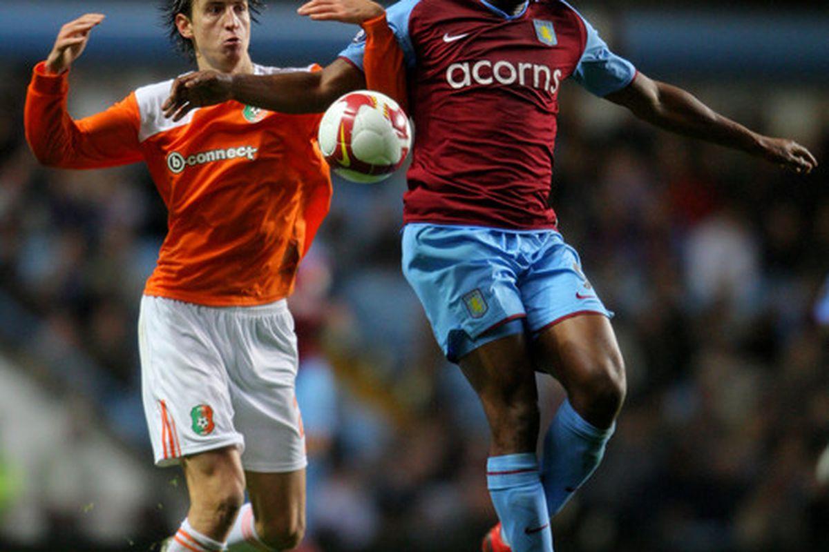 "DC United target Marlon Harewood (via <a href=""http://www1.pictures.gi.zimbio.com/Aston+Villa+v+Litex+Lovech+UEFA+Cup+0w3wkSUCkHAl.jpg"">www.zimbio.com</a>)"