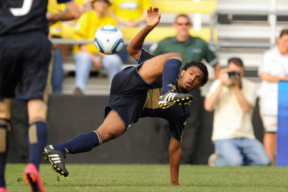 COLUMBUS OH - OCTOBER 24:  Sheanon Williams #25 of the Philadelphia Union kicks the ball away from a Columbus Crew attacker on October 24 2010 at Crew Stadium in Columbus Ohio.  (Photo by Jamie Sabau/Getty Images)