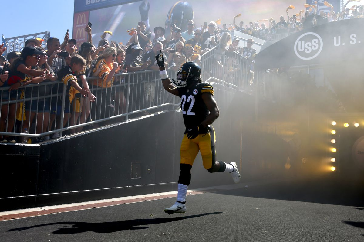 Running back Najee Harris #22 of the Pittsburgh Steelers takes the field before the game against the Las Vegas Raiders at Heinz Field on September 19, 2021 in Pittsburgh, Pennsylvania.