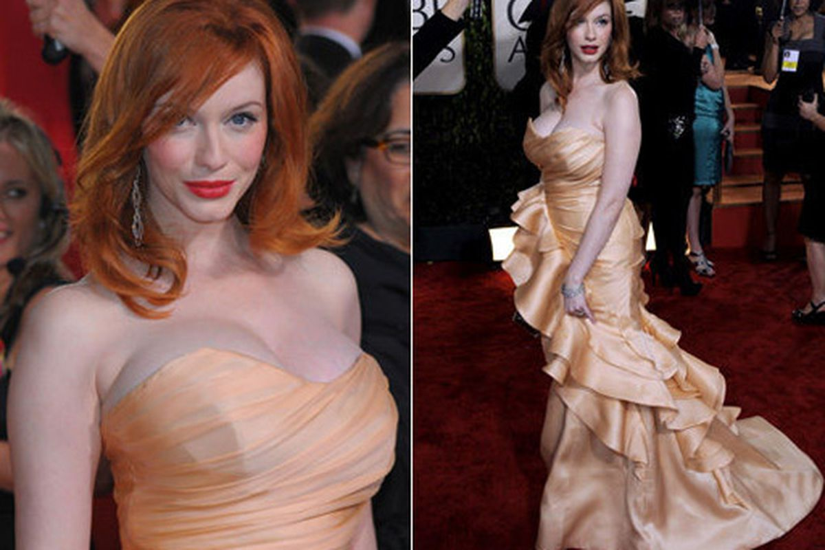 "Christina Hendricks of Mad Men in Christian Siriano at the Golden Globes. Thoughts? Via <a href=""http://www.huffingtonpost.com/2010/01/17/golden-globes-2010-best-d_n_426650.html?slidenumber=PPPeI3JZ%2B5I%3D&amp;slideshow#slide_image"">HuffPo</a>"
