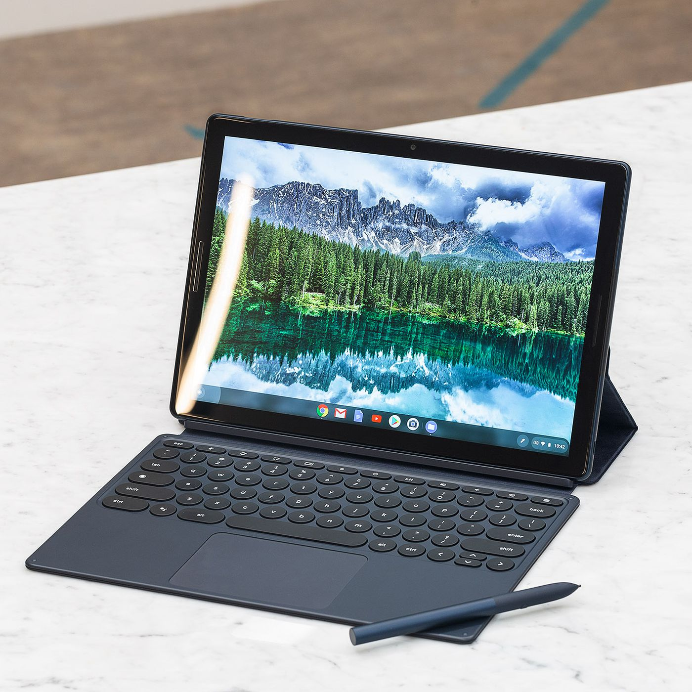 Pixel Slate vs  Surface Pro 6 vs  iPad Pro: how the flagship