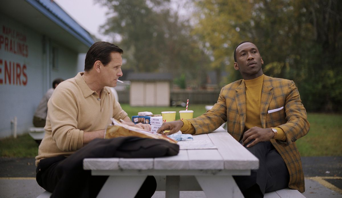 Green Book review: how the movie flattens America's racist history - Vox