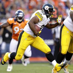 Pittsburgh Steelers running back Isaac Redman (33) runs against the Denver Broncos during the first quarter of an NFL football game, Sunday, Sept. 9, 2012, in Denver.