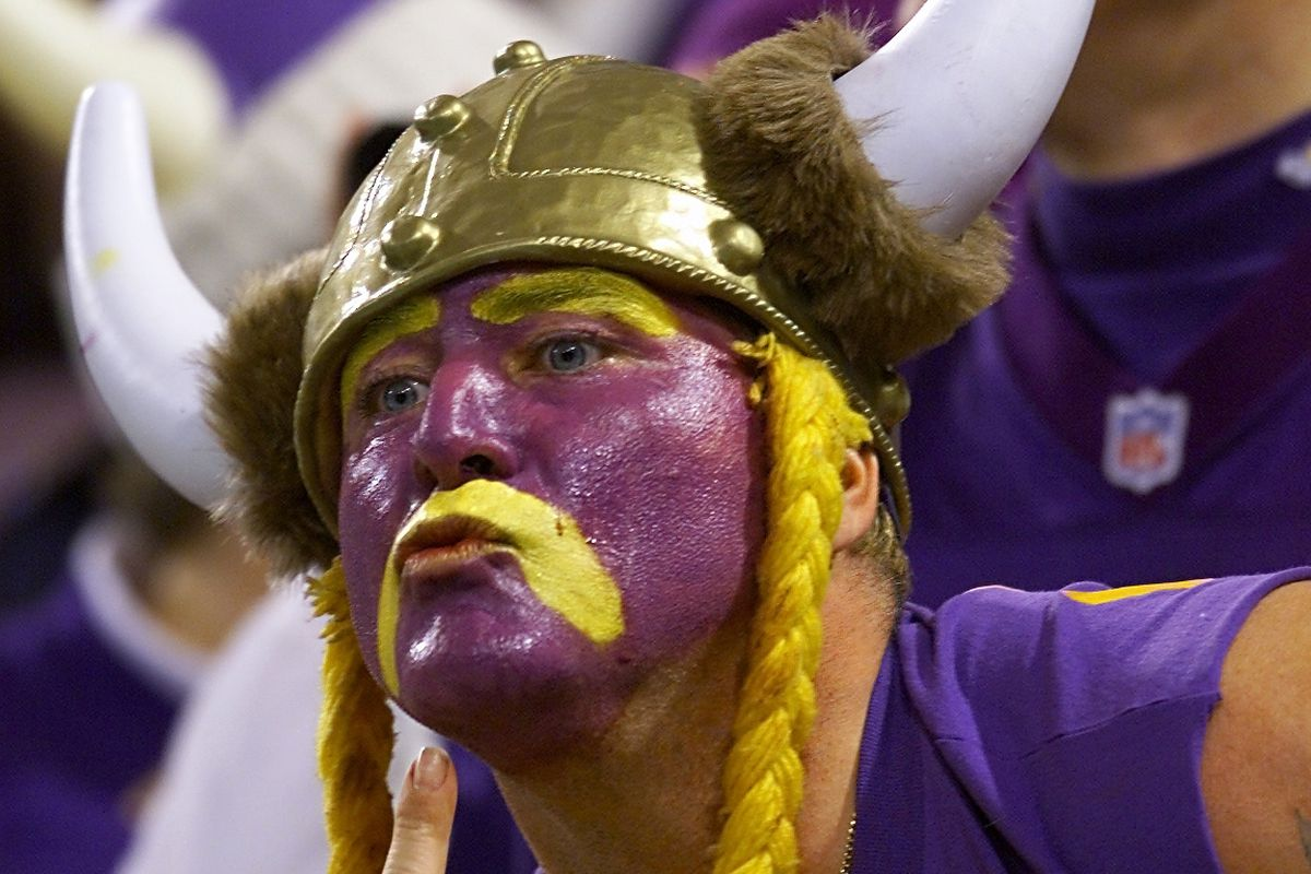 Saints v Vikings X fan