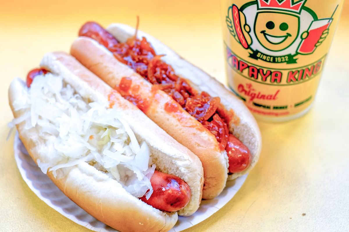 Papaya King hot dog.