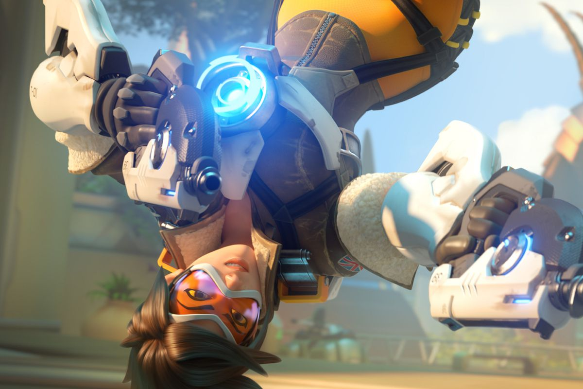 Overwatch - Tracer hanging upside down