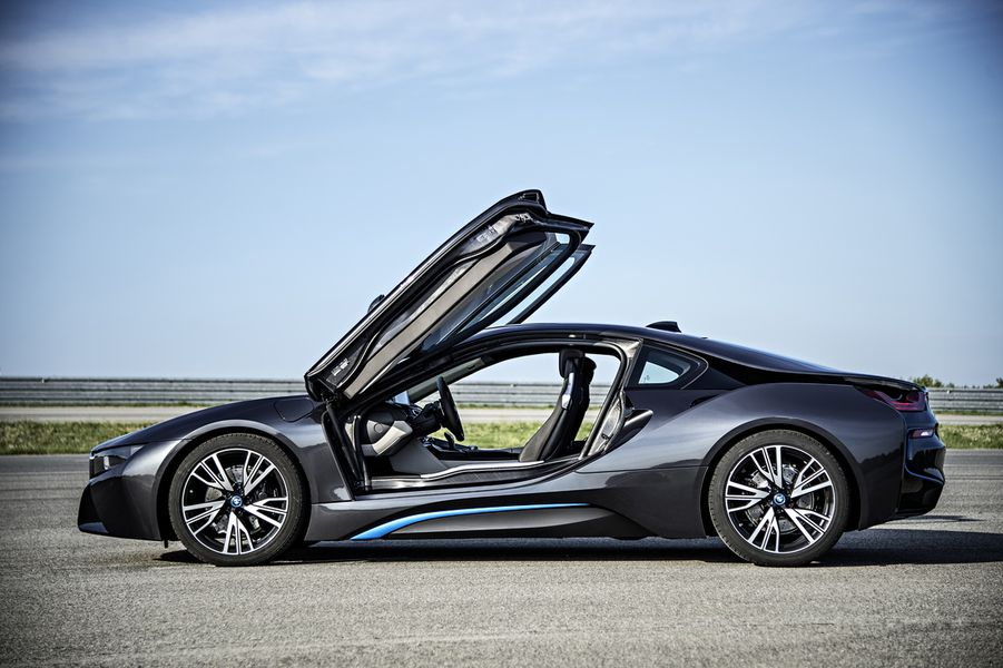 BMW unveils the production i8, a hybrid supercar to challenge ...
