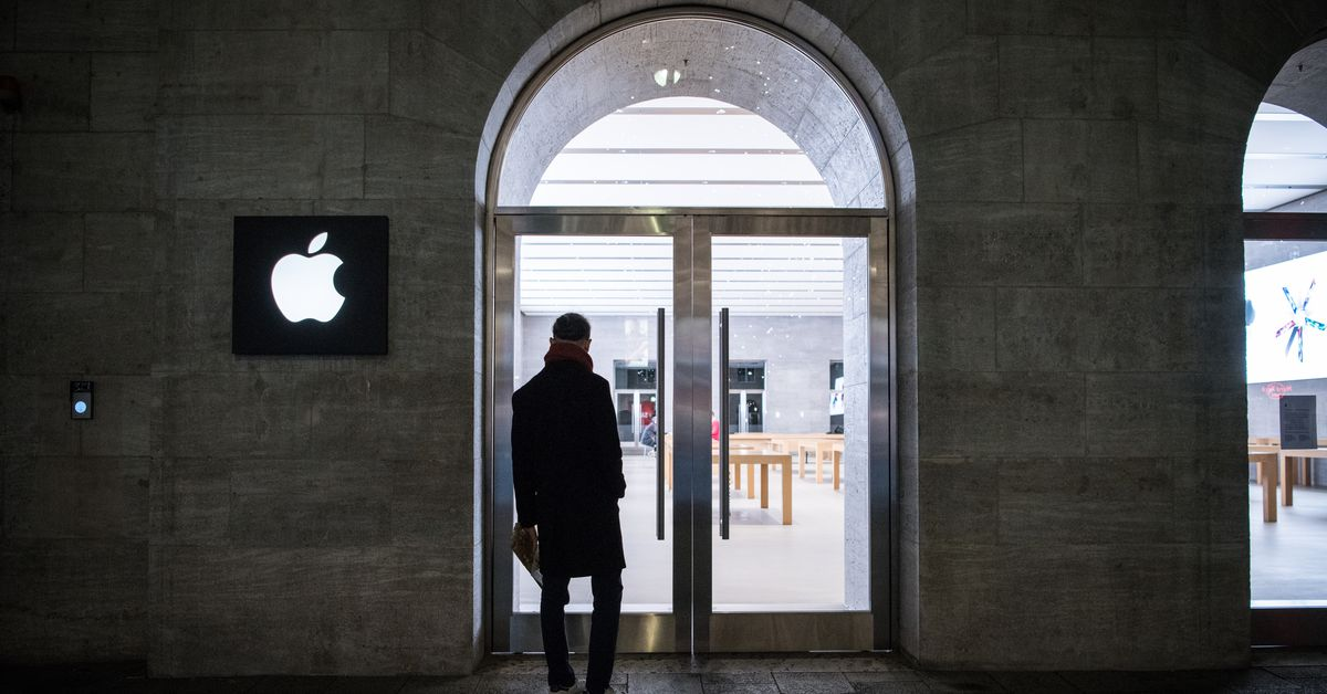 After Spotify's antitrust complaint, the EU objects to Apple's App Store practices