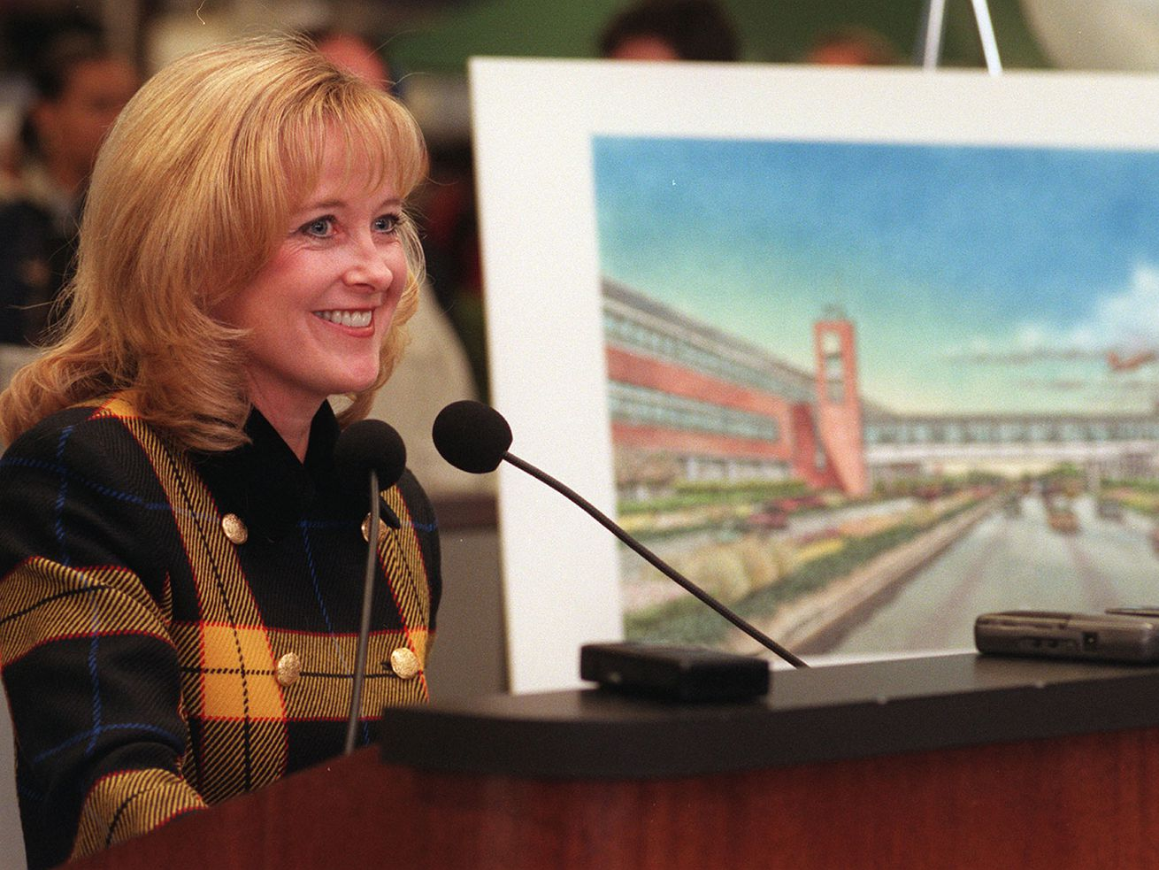 Mary Rose Loney, Chicago's first female aviation commissioner, dies suddenly at 68