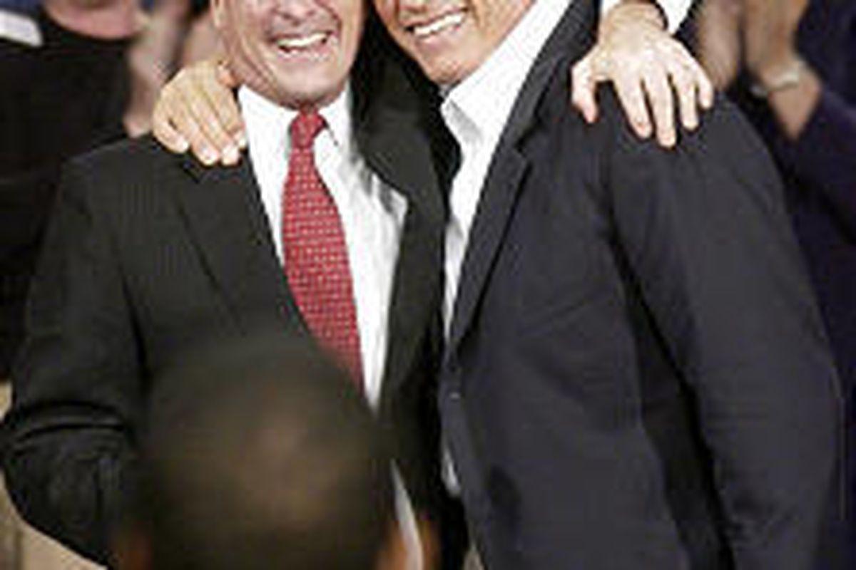 Bill Simon, left, former California gubernatorial candidate, endorses Arnold Schwarzenegger.