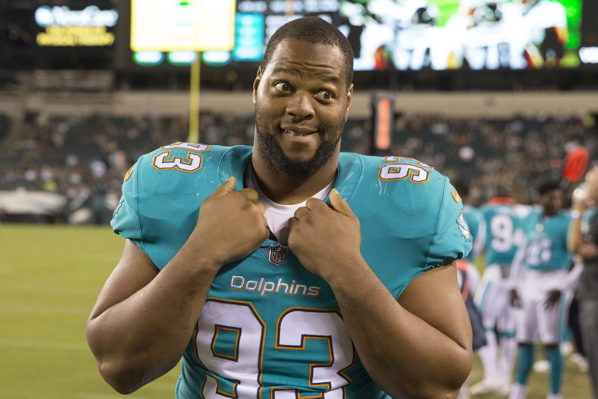 Los Angeles Rams sign former Miami Dolphins DT Ndamukong Suh - Turf ... a087b96e9