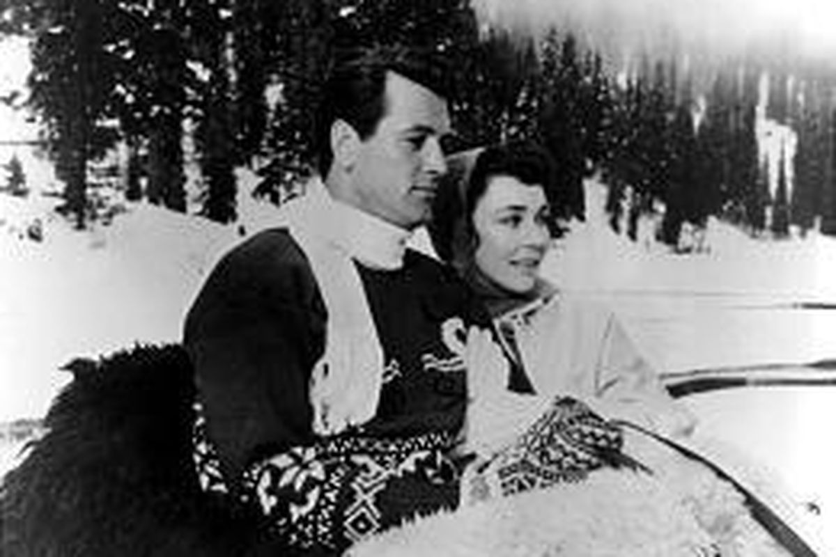 """Rock Hudson and Jennifer Jones star in """"A Farewell to Arms,"""" now out on DVD."""