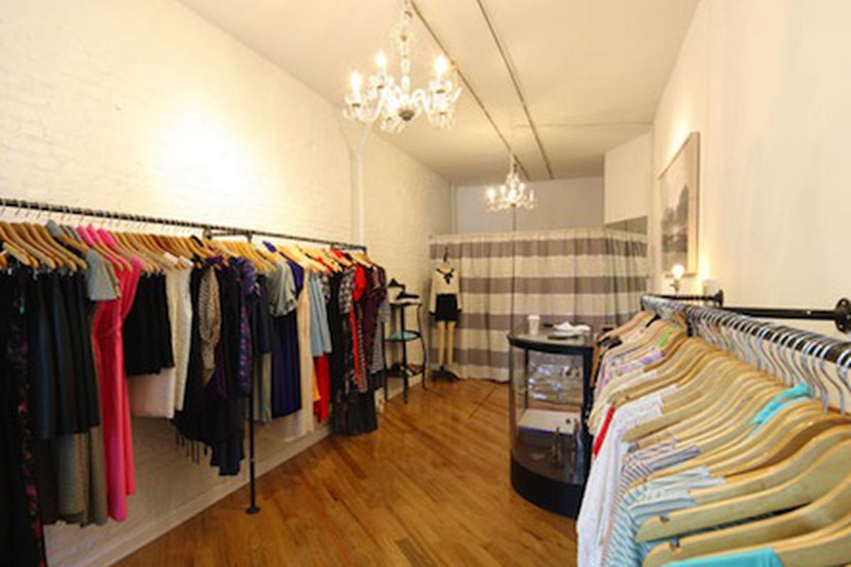 """Image via <a href=""""http://nymag.com/daily/fashion/2012/07/anna-gets-a-brand-new-space.html#"""">The Cut</a>"""