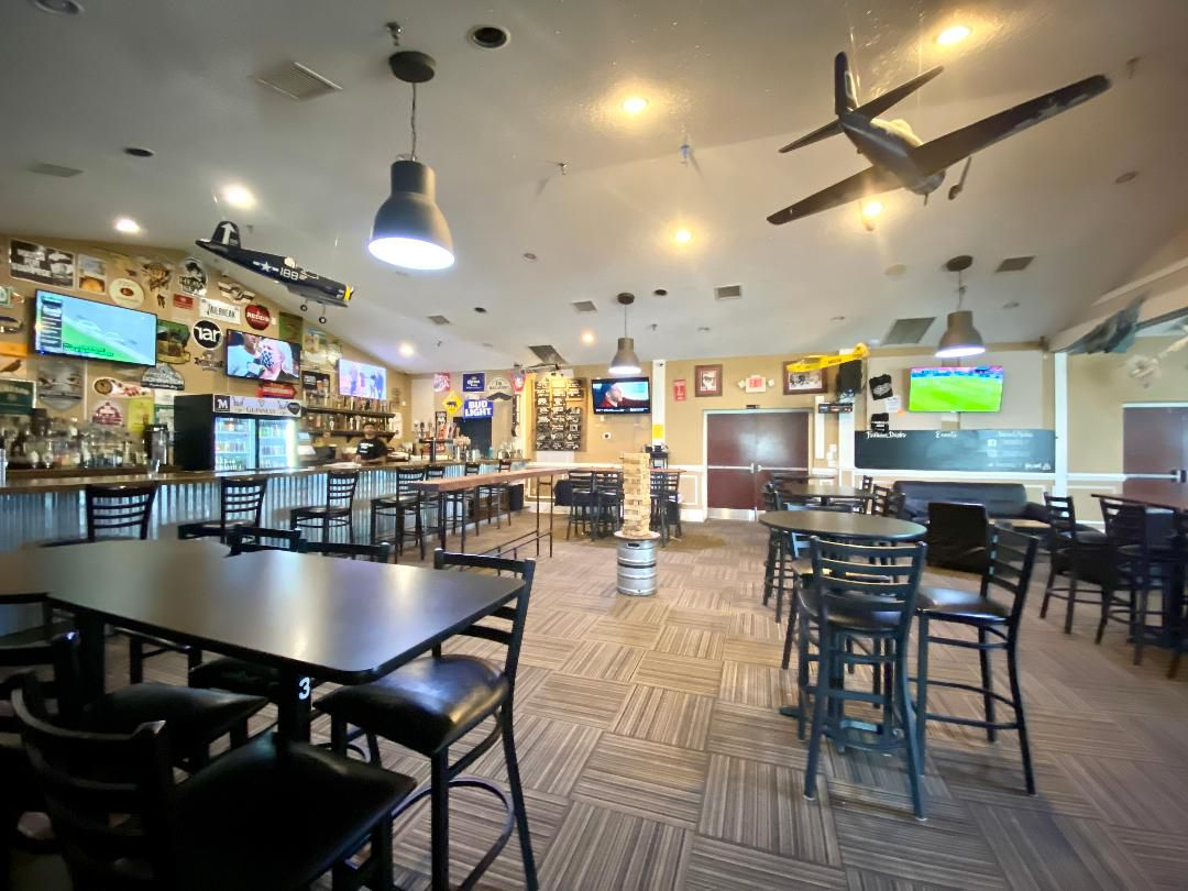 The bar at Taphouse 1637