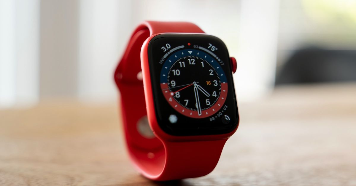 You can save up to $15 on the Apple Watch Series 6 or SE at Amazon thumbnail