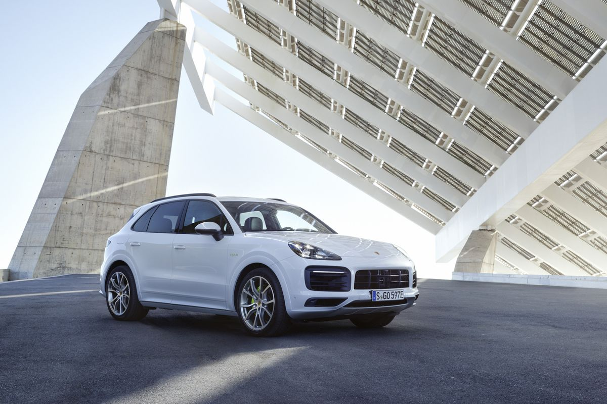 The Porsche Cayenne E Hybrid Is More Important Than Gas Models