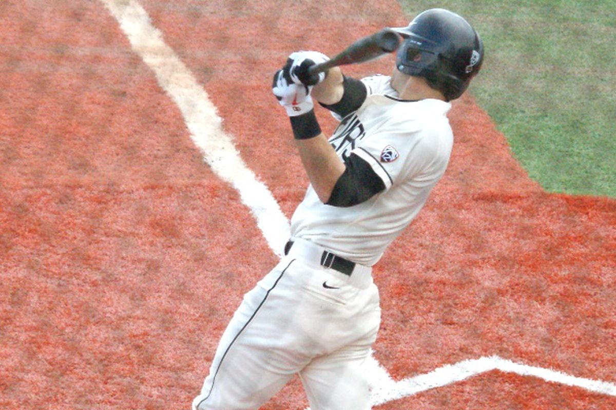 Tyler Smith kept his hitting streak going this weekend, including hitting his first home run of the season. It helped Oregon St. sweep the weekend from Texas St., and move up a notch in this week's Top 25 poll.