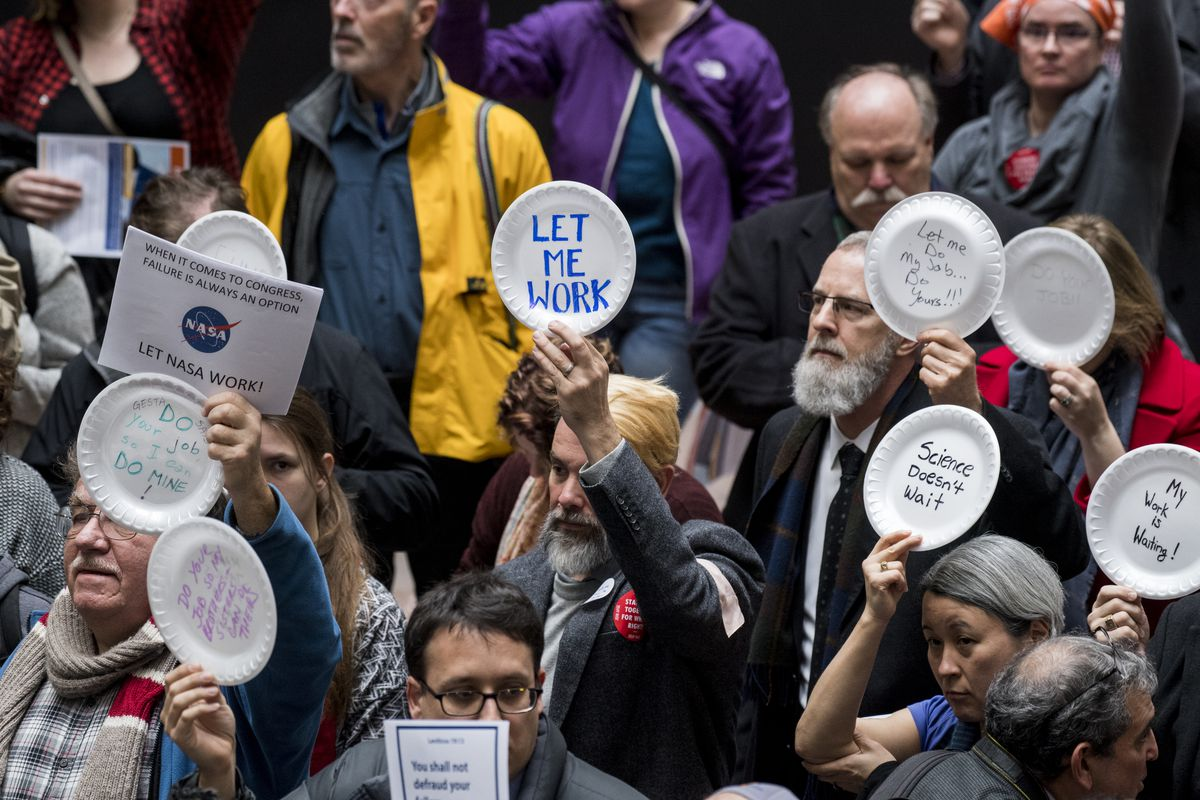Government shutdown 2019: federal workers protest in Senate