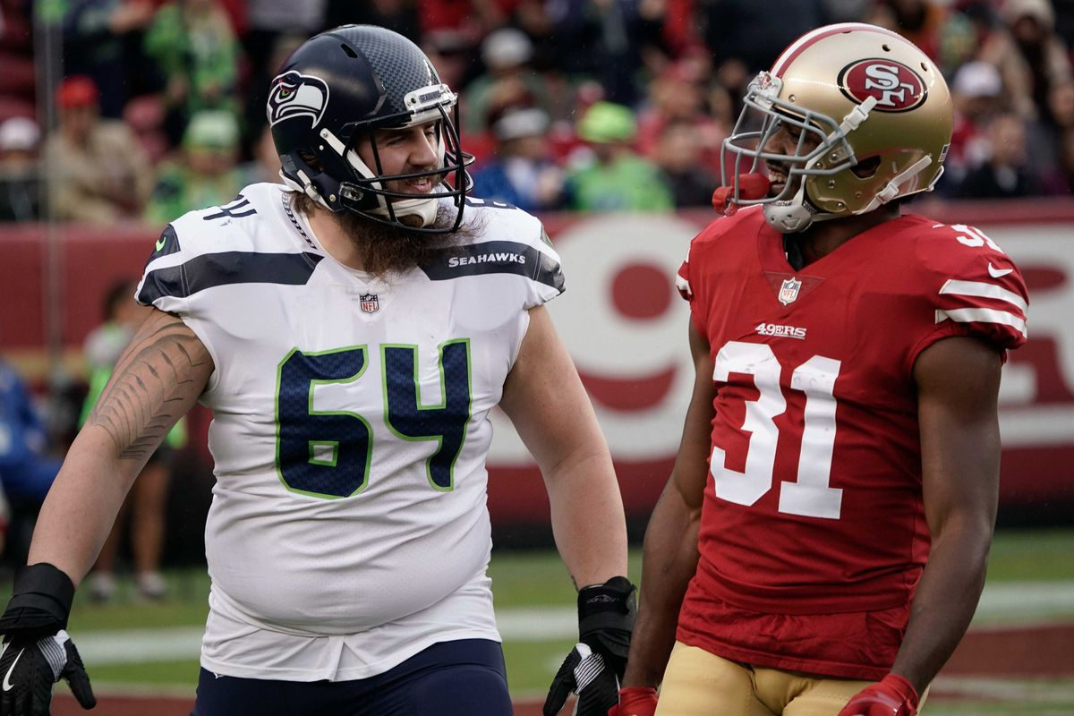 muelle Nuevo significado otro  Seahawks G Jordan Roos lined up at FB on Sunday, here's why - Field Gulls