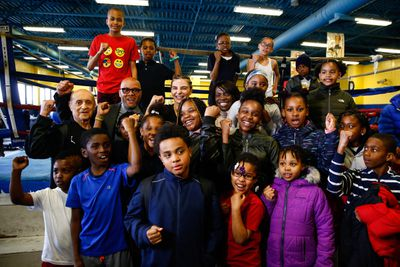 LR SHO MEDIA WORKOUT AT AC PAL CHRISTINA HAMMER TRAPPFOTOS 04112019 1818 - Shields, Hammer visit Atlantic City PAL gym ahead of Showtime main event