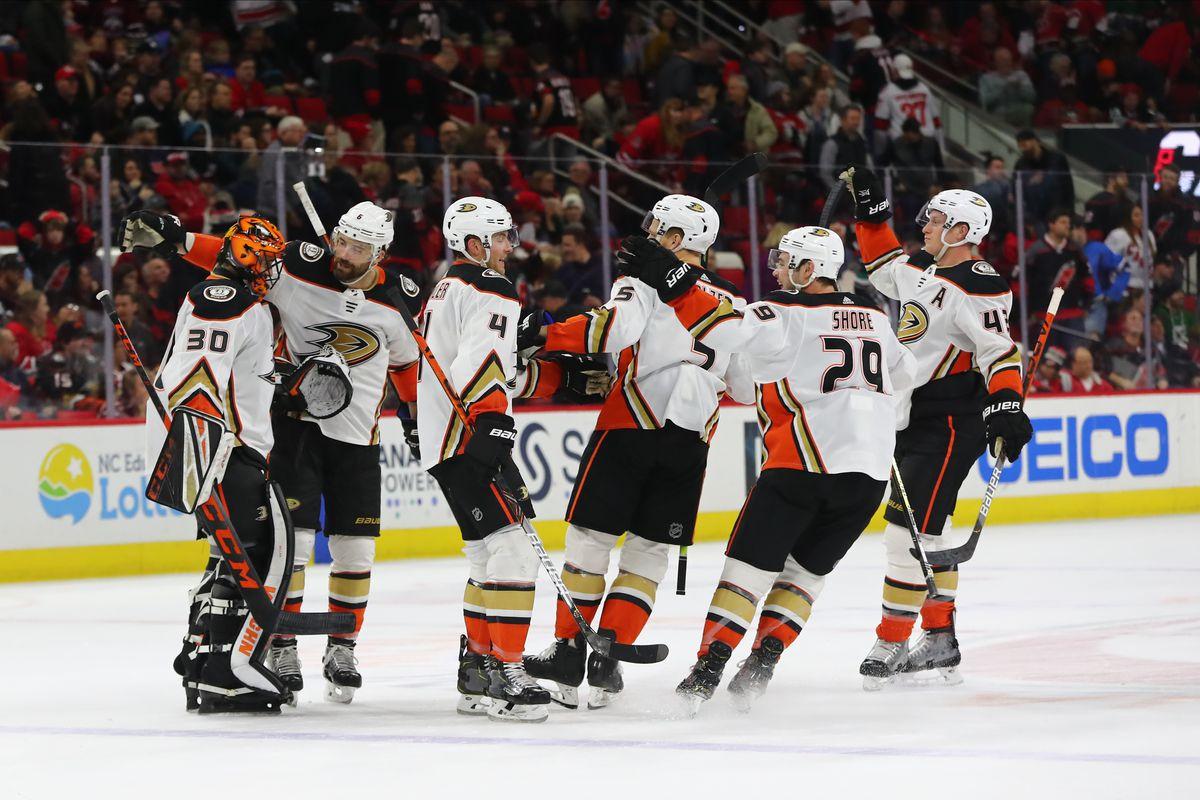 NHL: JAN 17 Ducks at Hurricanes