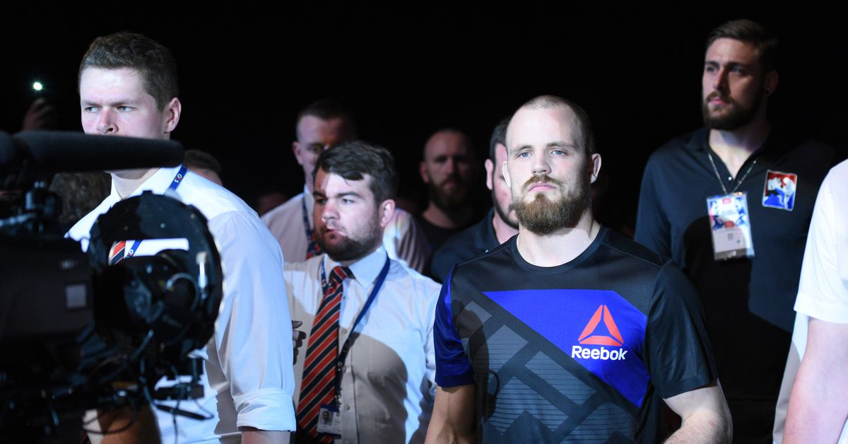 Report: Gunnar Nelson injures knee, withdraws from UFC Liverpool