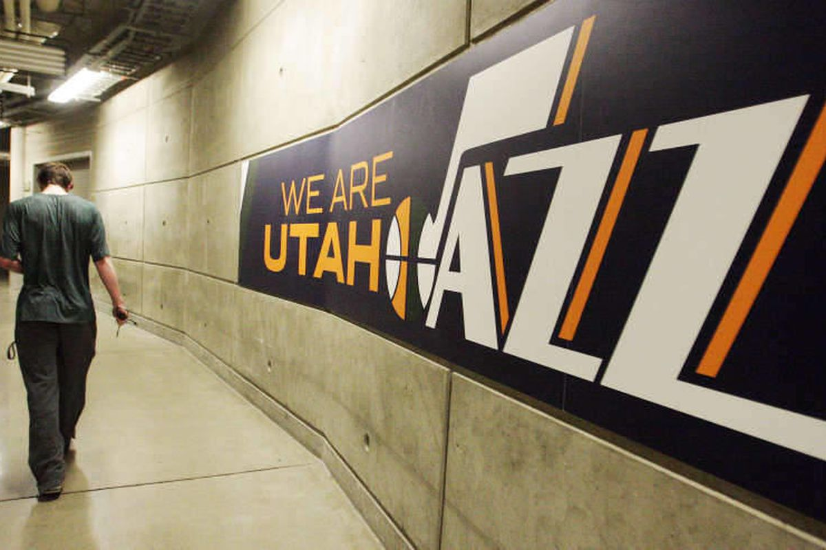 Utah Jazz shooting guard Gordon Hayward (20) arrives as the Jazz players clean out their lockers for the season in Salt Lake City  Thursday, April 18, 2013.
