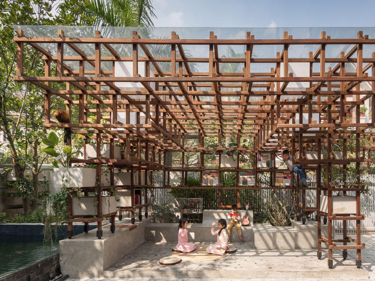 Jungle gym library runs a mini ecosystem to teach kids about urban farming