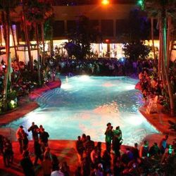 """The Pool After Dark, Atlantic City [<a href=""""https://www.facebook.com/photo.php?fbid=154269181603&set=a.433002906603.234047.127246181603&type=3&theater"""">Photo</a>]"""