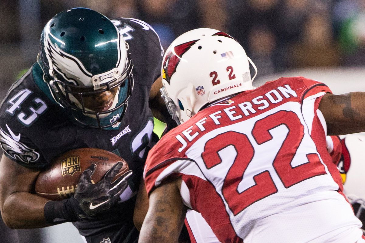 Cardinals safety Tony Jefferson seems to be enjoying Eagles fans