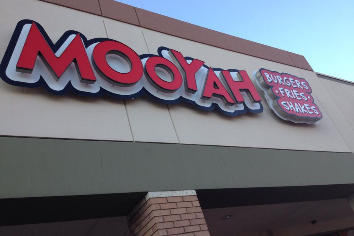 Mooyah's getting into the pizza game.
