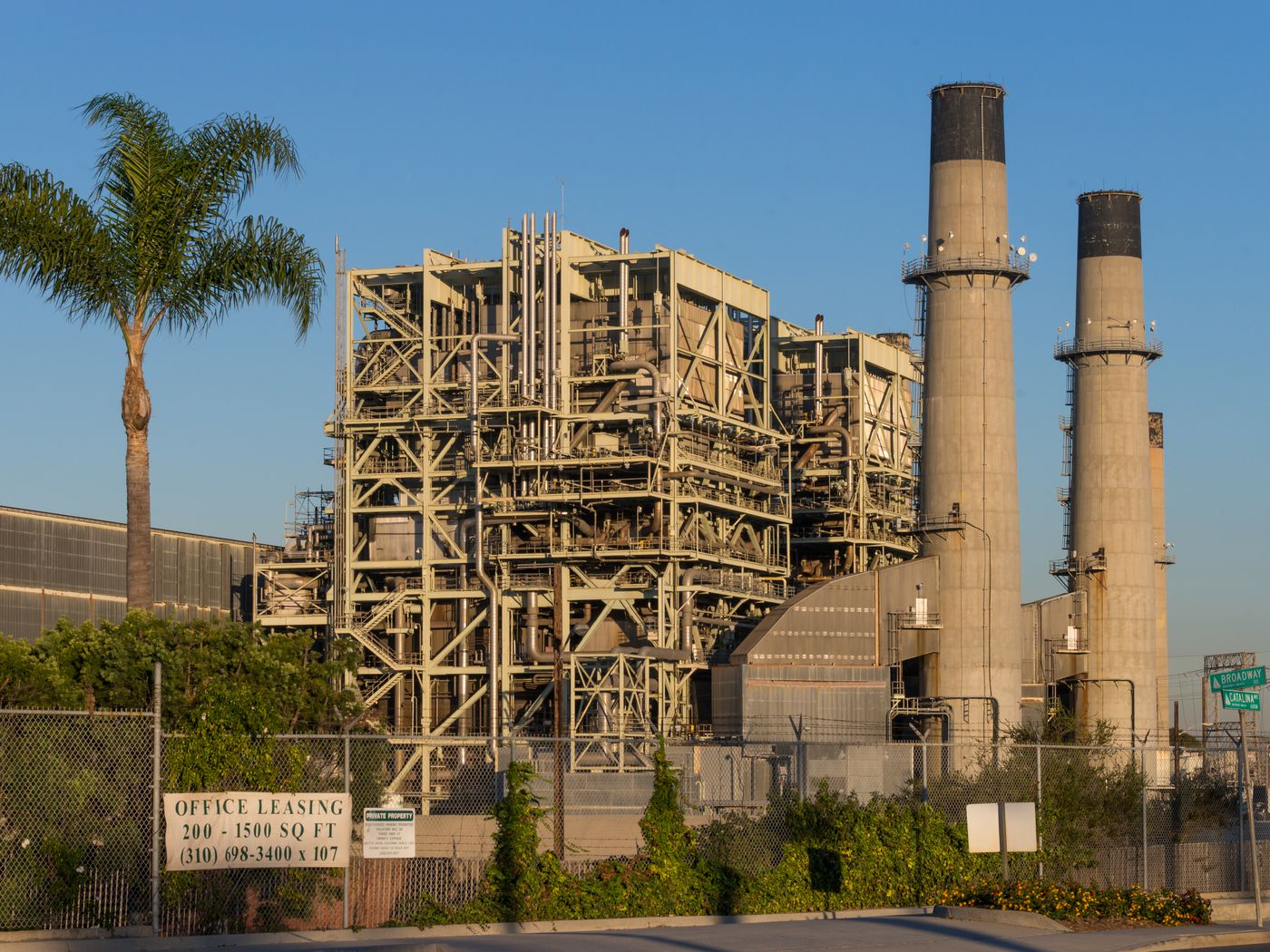 Redondo Beach power plant could be redeveloped as a park - Curbed LA