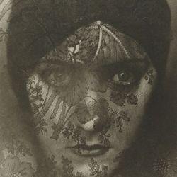 Edward Steichen, Gloria Swanson (1924) © Permission Joanna T. Steichen, Credit: The J. Paul Getty Museum, Los Angeles
