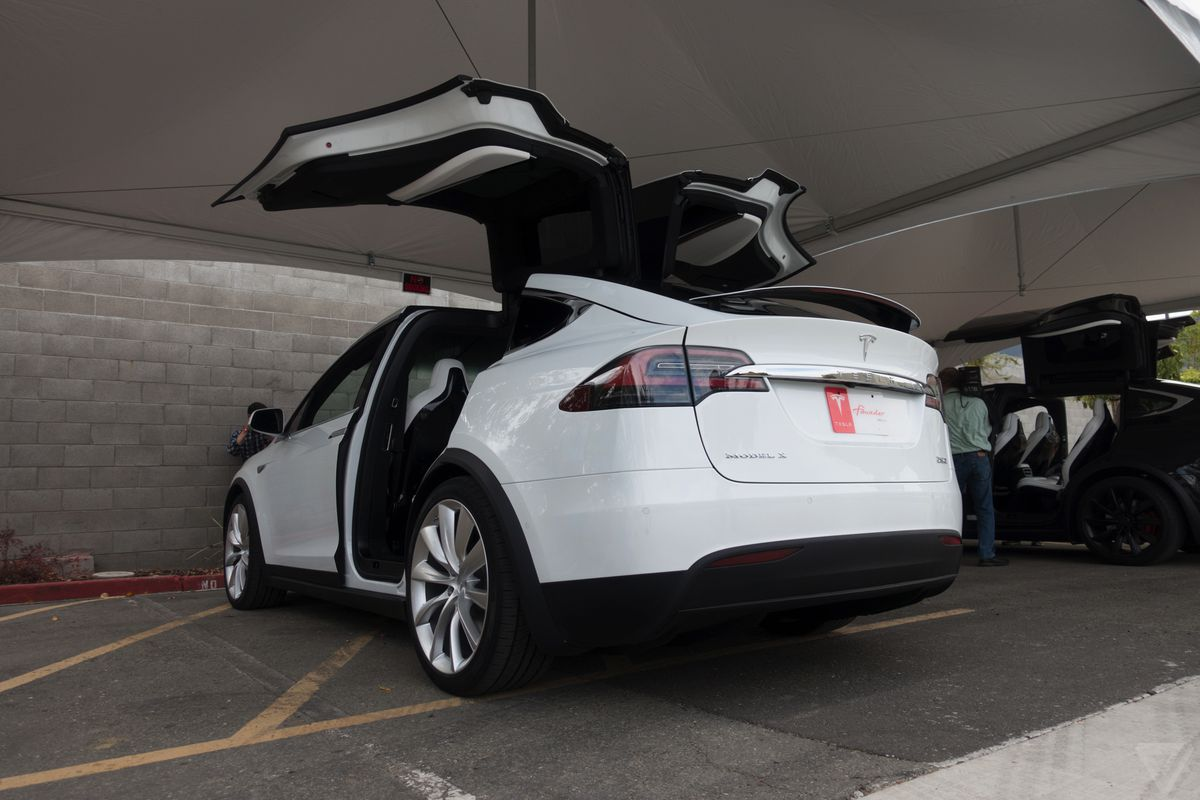 Tesla Drops Model X Price By Another 3 000 The Verge