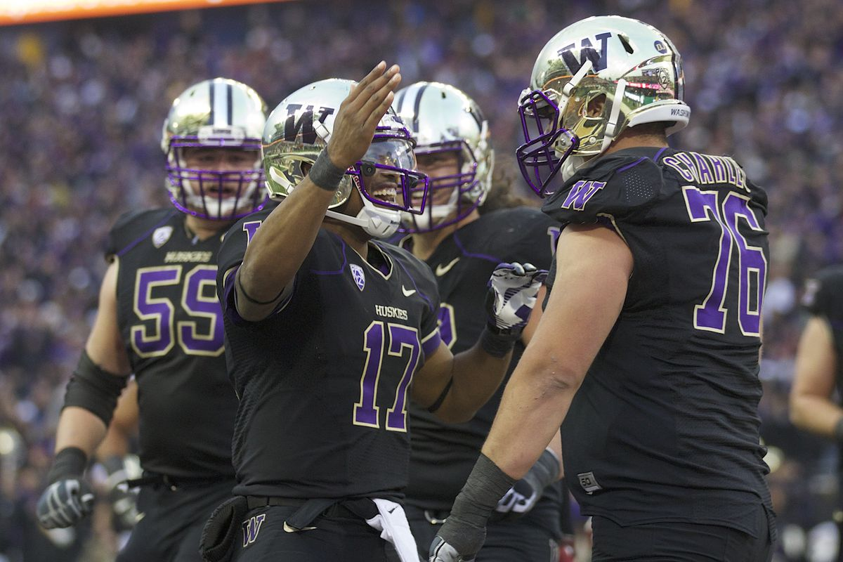 Washington has the Pac-12's most experienced offensive line; does that also mean that they have one of the conference's best?