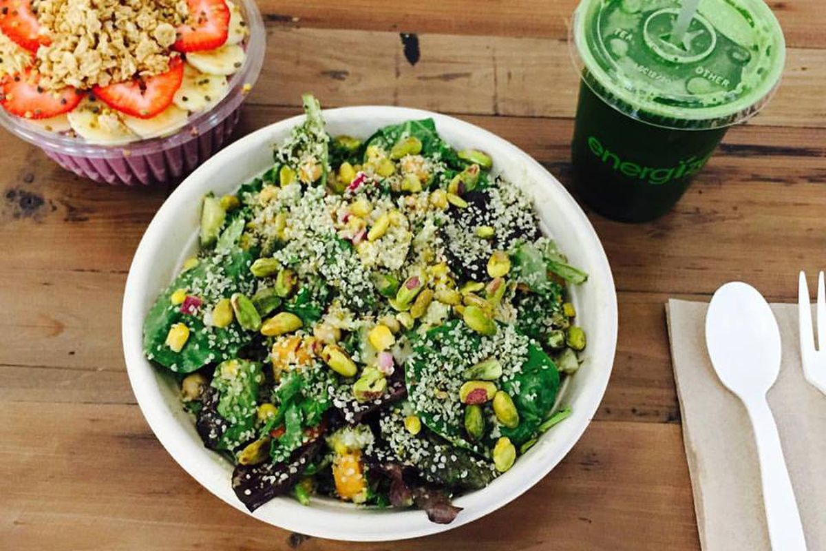 Energize salad, smoothie bowl, and juice