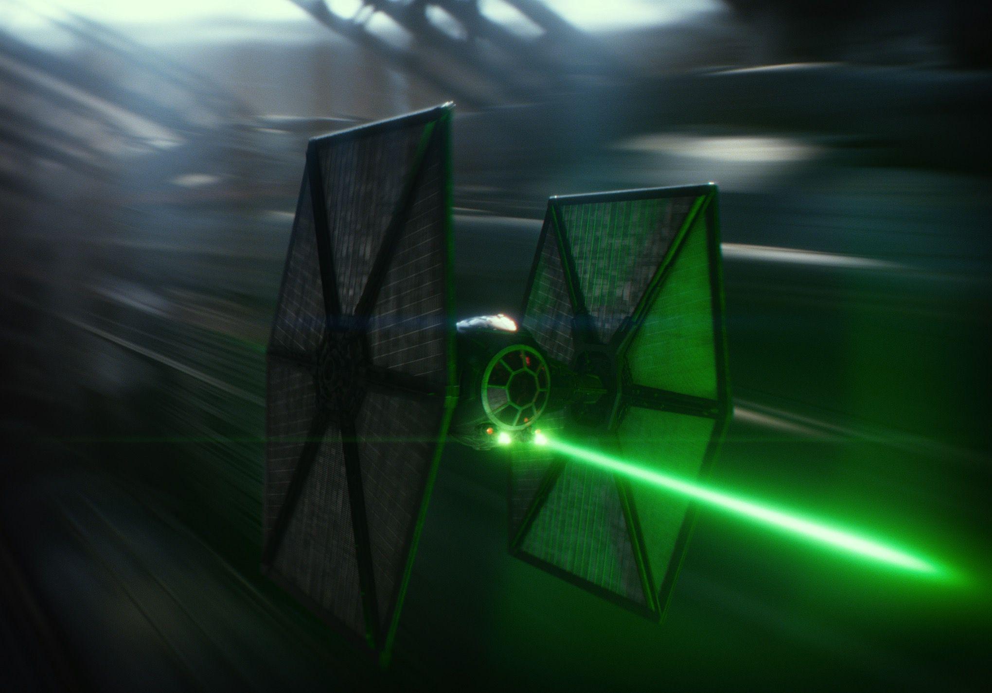 Star Wars: The Force Awakens promotional still (DISNEY/LUCASFILM)