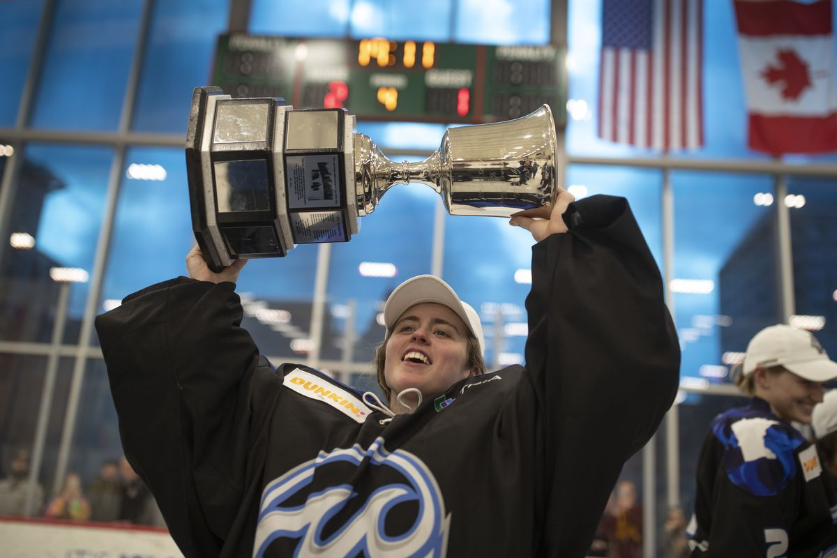 Whitecaps goaltender Amanda Leveille celebrated with the Isobel Cup at Tria Rink Sunday March 17, 2019 in St. Paul MN.] The Minnesota Whitecaps beat the the Buffalo Beauts 2-1 in overtime to win the NWHL Championship at Tria Rink. Jerry Holt • Jerry